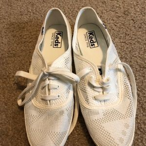 Women's white KEDS Sneakers size 8 like new